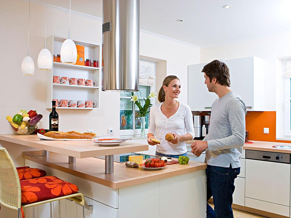 Парень и девушка на кухонном столе фото фото 172-990