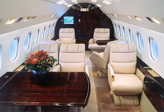 http://www.salon.su/images/stories/articles/promenad/auto/Plane_Dassault_Falcon_900EX_salon.jpg
