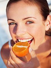 Фрукты - незаменимый источник необходимых для сохранения здоровья кожи веществ