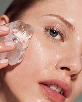 Увлажнение кожи лица льдом