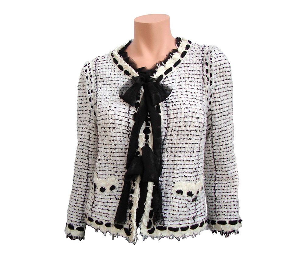 Модный реформатор Габриэль Шанель (Gabrielle Chanel), она же просто Коко (Coco), является неподражаемым создателем...