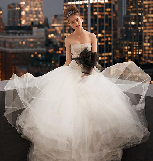 Платья свадебные платья и аксессуары